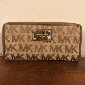 Michael Kors Jetset Wallet